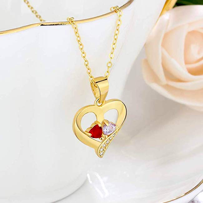 personalized necklace is a good pick as a thoughtful gift for your girlfriend