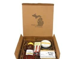 Sister Bees Michigan Bee Gift Set